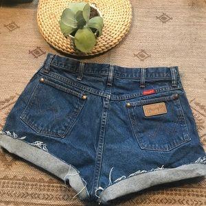 Vintage Wrangler High rise cut off jeans shorts 10